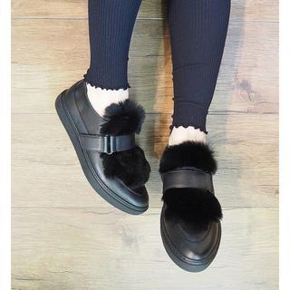 サヴァサヴァ(cavacava)の新品cava cavaファー付き2wayローファーL黒ブラック定価16,280円(ローファー/革靴)