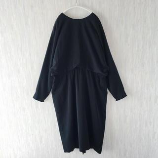 used 古着 vintage モード ブラック ワンピース バックボタン(ひざ丈ワンピース)