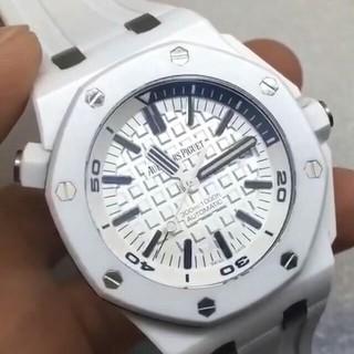 オーデマピゲ(AUDEMARS PIGUET)のオーデマピゲ ホワイト(腕時計(アナログ))