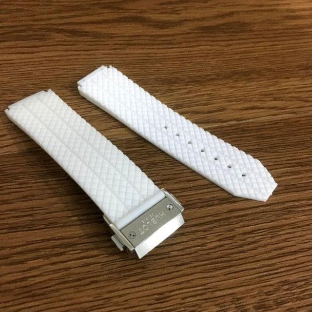 時計 ジェイコブ 、 HUBLOT - 交換用 汎用 ウブロ 時計ベルト ホワイト シルバーバックル 24mmの通販 by ラー油