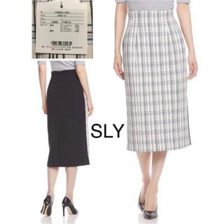 スライ(SLY)の【試着のみ】半額以下 SLY ホワイトチェック×ブラック(ひざ丈スカート)