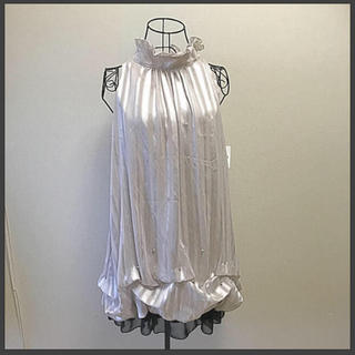 リリーブラウン(Lily Brown)の新品!ドレス専門店バローウダの商品♦️ダイヤモンドビジュー付きドレス ワンピース(ミニドレス)
