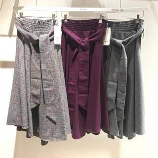 ミラオーウェン(Mila Owen)の新品 ウエストシャーリングスカート (ひざ丈スカート)