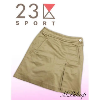 ニジュウサンク(23区)の美品♡光沢感✨ 23区スポーツ インナーパンツ一体型 ゴルフ スカート ベージュ(ウエア)