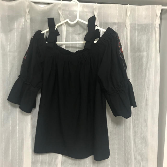 しまむら(シマムラ)の肩出しトップス 黒  レディースのトップス(カットソー(半袖/袖なし))の商品写真