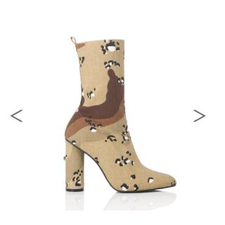 イエローブーツ(Yellow boots)のDESERT SHORT ❤︎ yello 星あや カモフラ 迷彩柄(ブーツ)