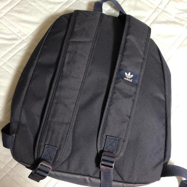 adidas(アディダス)のadidas 美品 リュック ネイビー レディースのバッグ(リュック/バックパック)の商品写真
