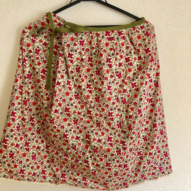 marble ink(マーブルインク)のマーブルインク 花柄スカート  レディースのスカート(ひざ丈スカート)の商品写真