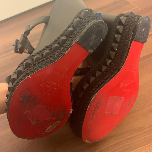 Christian Louboutin(クリスチャンルブタン)のルブタン カタクロウサンダル 35 レディースの靴/シューズ(サンダル)の商品写真