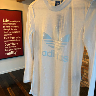 アディダス(adidas)の<値下げ>アディダス :ロングTシャツ  ホワイト(透け感あり)(Tシャツ(長袖/七分))
