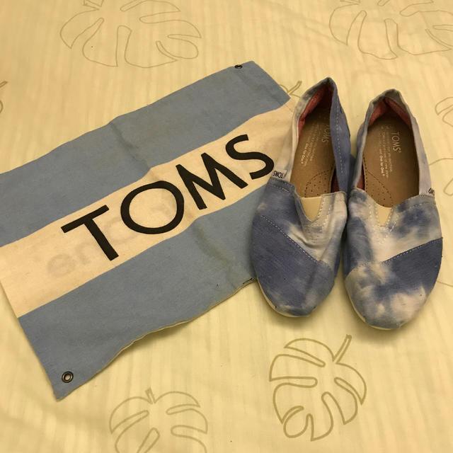 TOMS(トムズ)のtoms スリッポン ブルー 限定カラー レディースの靴/シューズ(スリッポン/モカシン)の商品写真