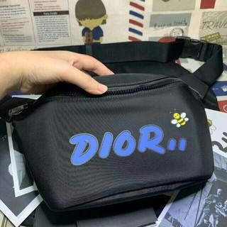ディオール(Dior)のDior × KAWS ボディーバッグ(ボディーバッグ)