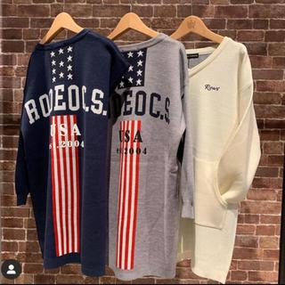 ロデオクラウンズワイドボウル(RODEO CROWNS WIDE BOWL)のRCWB✳︎ Standing AmericaVネック ニットワンピース売約済み(ひざ丈ワンピース)