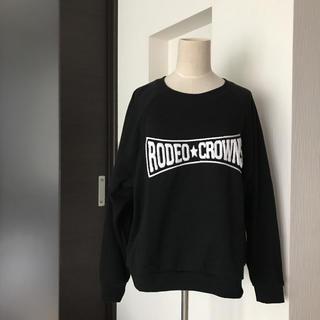 ロデオクラウンズワイドボウル(RODEO CROWNS WIDE BOWL)の美品★RCWBロゴトレーナー  ゆったりサイズ感(トレーナー/スウェット)
