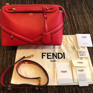 フェンディ(FENDI)の FENDI ショルダー バッグ モンスター これ以上は下げれません。保存袋あり(ショルダーバッグ)