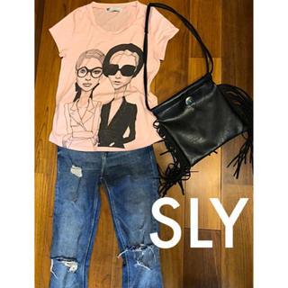 【送料無料】 状態良好〕SLY/デザインTシャツ/ベビーピンク
