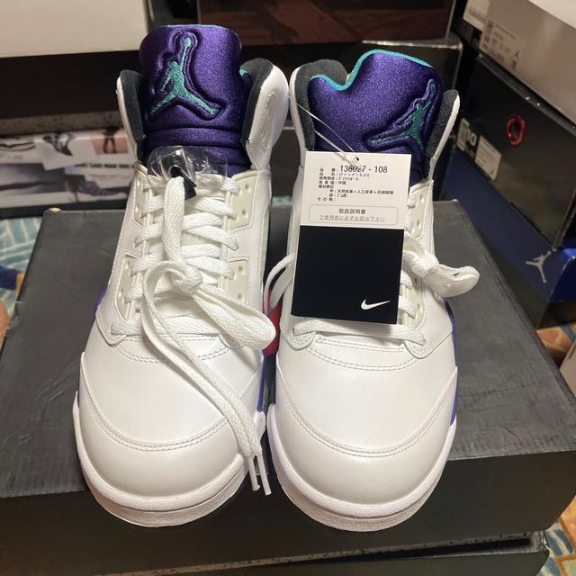 NIKE(ナイキ)のエアジョーダン5レトロ''グレープ''size US10.0新品タグ付き メンズの靴/シューズ(スニーカー)の商品写真