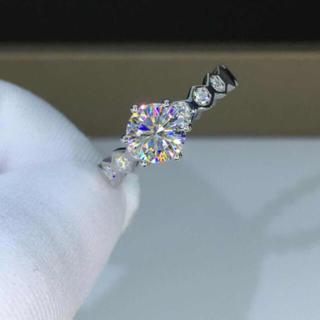 【0.5カラット】輝く モアサナイト  ダイヤモンド リング(リング(指輪))
