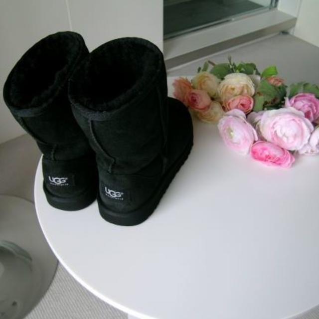UGG(アグ)の★正規品★UGG australia★ ムートンブーツ★サイズ JPN210★黒 レディースの靴/シューズ(ブーツ)の商品写真
