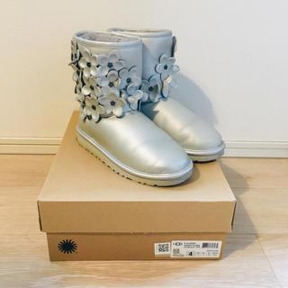 アグ(UGG)のUGG アグ クラシックブーツ 22.5cm(ブーツ)