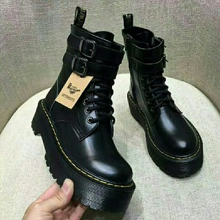 UK3ドクターマーチン Dr.Martens 8ボール 新品 厚底ブーツ 革靴