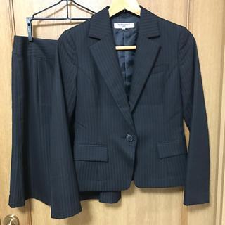 ナチュラルビューティーベーシック(NATURAL BEAUTY BASIC)のナチュラルビューティーベーシック スーツ S ブラック ピンストライプ(スーツ)