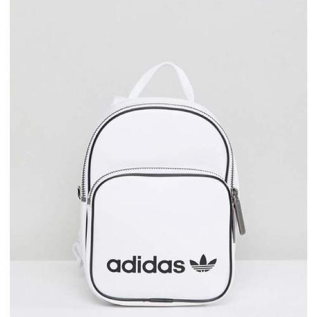 adidas(アディダス)の最終値下激レア新品日本未発売adidas originalsミニリュック レディースのバッグ(リュック/バックパック)の商品写真