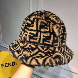 フェンディ(FENDI)の【FENDI】新作★ブラウンシアリング FF ロゴ ハット(ハット)