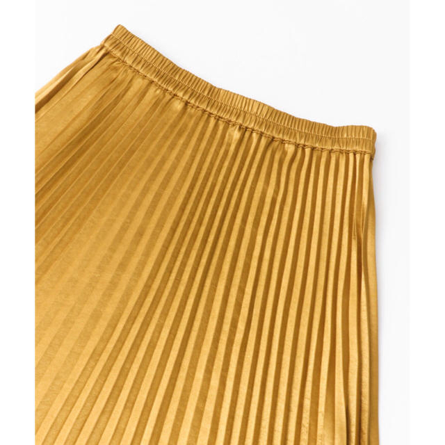 Sonny Label(サニーレーベル)の未使用美品♡UR Sonny Label プリーツロングスカート ゴールド レディースのスカート(ロングスカート)の商品写真
