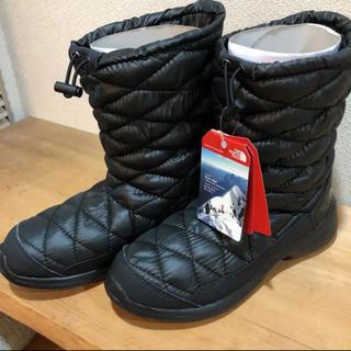 ザノースフェイス(THE NORTH FACE)のノースフェイス  新品 日本未発売 海外 ザノースフェイス ヌプシブーツ 24(ブーツ)