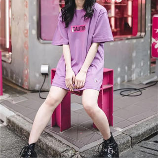 シュプリーム(Supreme)のFR2 Tシャツ 薄ピンク(Tシャツ/カットソー(半袖/袖なし))