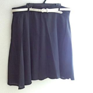 新品 3L オフホワイトベルト付き フレアスカート ひざ丈 大きいサイズ(ひざ丈スカート)