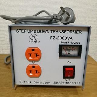 希少! 変圧器 2000W