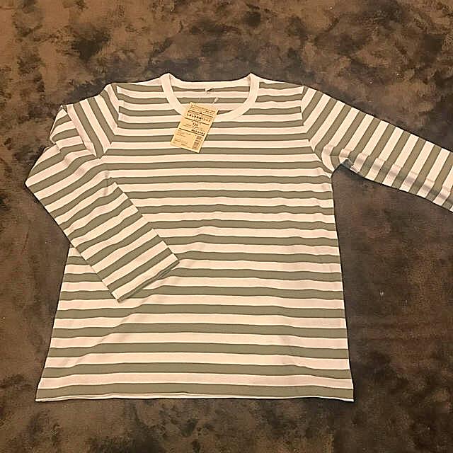 MUJI (無印良品)(ムジルシリョウヒン)の無印良品 しましま長袖シャツ 130 カーキ キッズ/ベビー/マタニティのキッズ服 男の子用(90cm~)(Tシャツ/カットソー)の商品写真