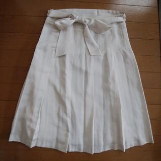 ニジュウサンク(23区)の  サイズS  23区のベージュスカート (ひざ丈スカート)