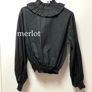 メルロー(merlot)のmerlot 黒 シャツ ブラウス(シャツ/ブラウス(長袖/七分))