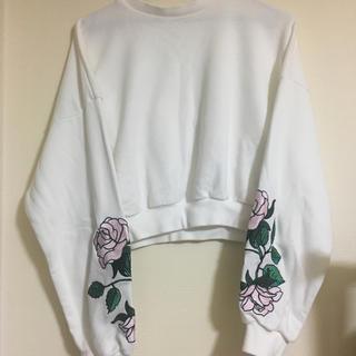 SPINNS - バラ刺繍 トレーナー