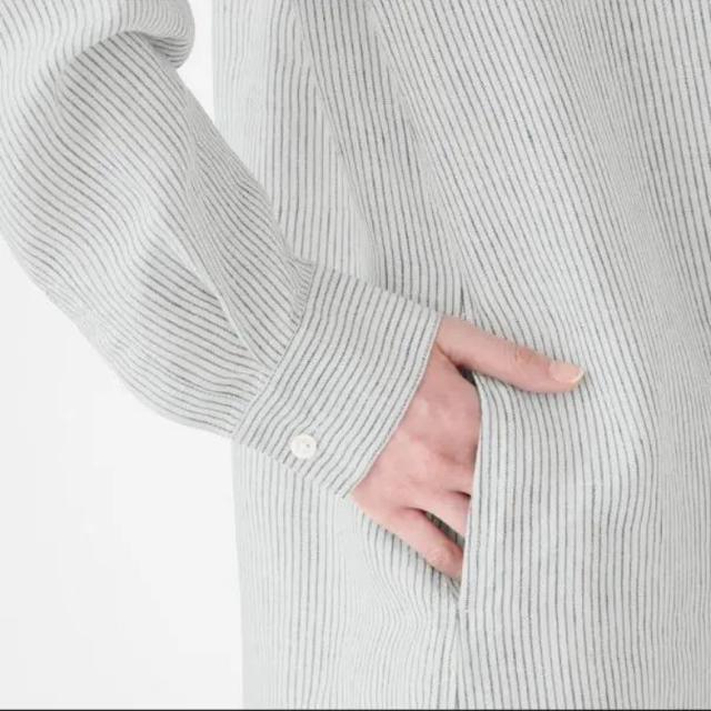 MUJI (無印良品)(ムジルシリョウヒン)の無印良品  フレンチリネン洗いざらしストライプスタンドカラーワンピース レディースのワンピース(ひざ丈ワンピース)の商品写真