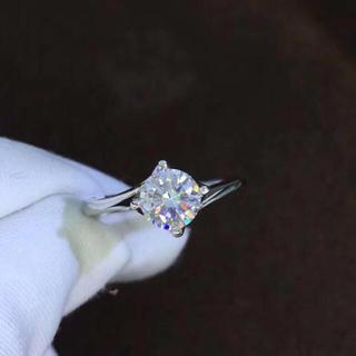 【1カラット  】輝く モアサナイト  ダイヤモンド リング(リング(指輪))