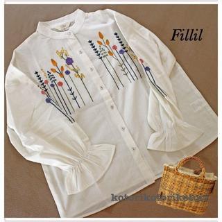 メルロー(merlot)のSALE!【Fillil/フィリル】フラワー刺繍バンドカラーシャツブラウス(シャツ/ブラウス(長袖/七分))