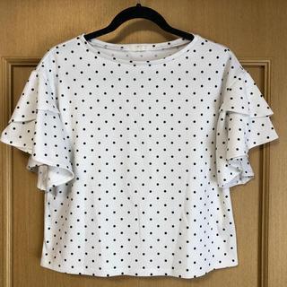 ジーユー(GU)のドット×袖フリル トップス(シャツ/ブラウス(半袖/袖なし))
