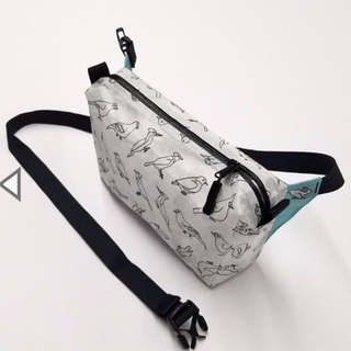 パタゴニア(patagonia)のHIGHTAILDESIGN  Dyneema  FannyPacks(登山用品)