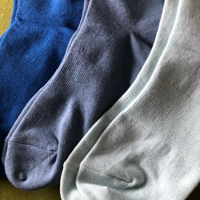 adidas(アディダス)の【アディダス】NEW‼️レディース シースルーサポート入り靴下3足組(ブルー系) レディースのレッグウェア(ソックス)の商品写真