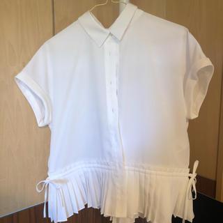 ビームス(BEAMS)のbeams ブラウス 白 プリーツ(シャツ/ブラウス(半袖/袖なし))