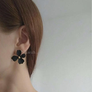 リリーブラウン(Lily Brown)のj267.color flower pierce(black)(ピアス)