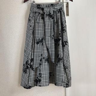 しまむら - しまむら グレンチェックと花刺繍スカート