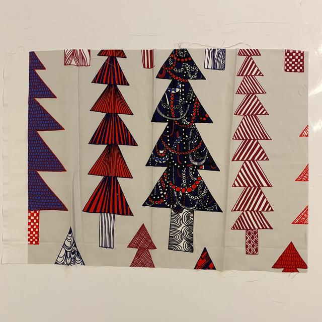 marimekko(マリメッコ)の[ハンパ生地]マリメッコ KUUSIKOSSA 廃盤マルチカラーカットクロス ハンドメイドの素材/材料(生地/糸)の商品写真
