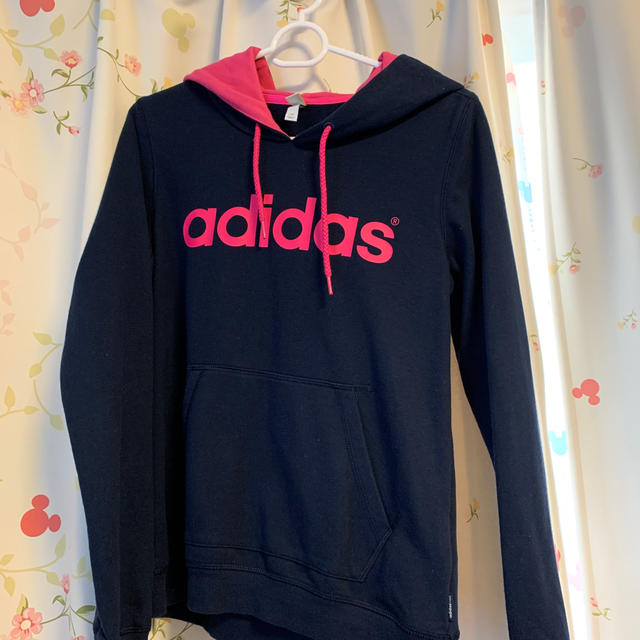 adidas(アディダス)のadidasパーカー キッズ/ベビー/マタニティのキッズ服 女の子用(90cm~)(ジャケット/上着)の商品写真