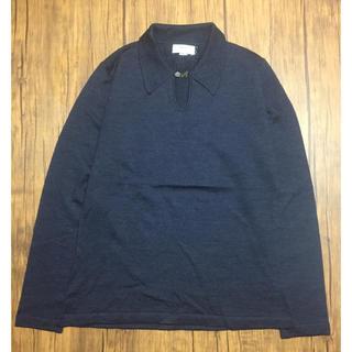バーニーズニューヨーク(BARNEYS NEW YORK)のBarneys Newyork シェルボタン 英国製 襟付き ニット セーター(ニット/セーター)