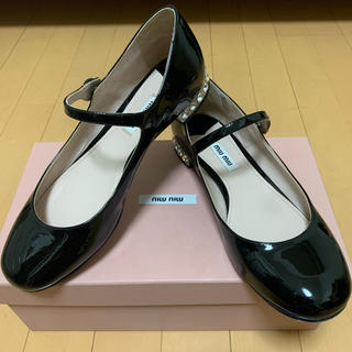 ミュウミュウ(miumiu)のmiumiu (ローファー/革靴)